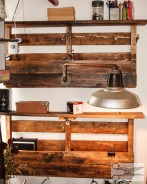 Swinging Arm Pallet Lamp